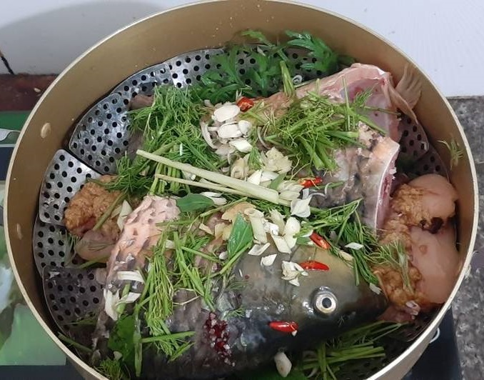 Cá chép nấu món gì ngon nhất? Cá chép hấp thì là